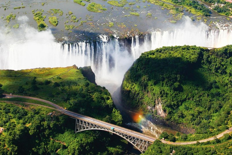 تصویر ۳۶۰ درجه آبشاری زیبا در قاره آفریقا