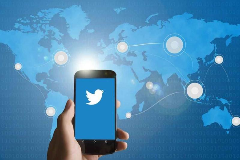واکنش  علی عسگری به حذف پست صفحه منتسب به  رهبر انقلاب  از توئیتر +عکس