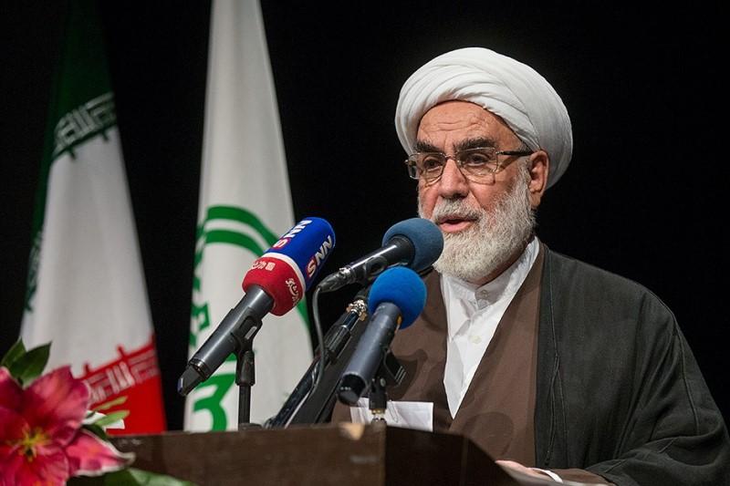 براندازی نظام شاهنشاهی و تشکیل حکومت اسلامی با اتکا به مردم صورت گرفت
