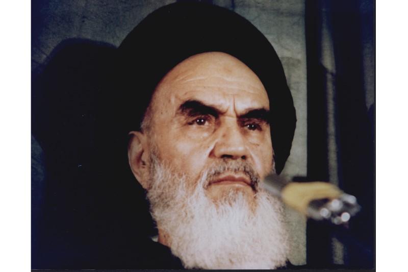 اخطار رهبر کبیر انقلاب اسلامی به گران فروشان+فیلم