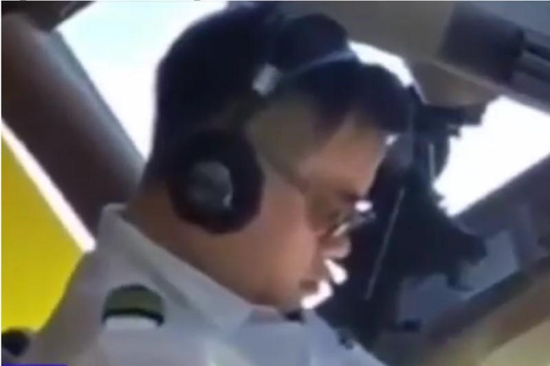 اقدام عجیب خلبان هواپیمای مسافربری در حین پرواز