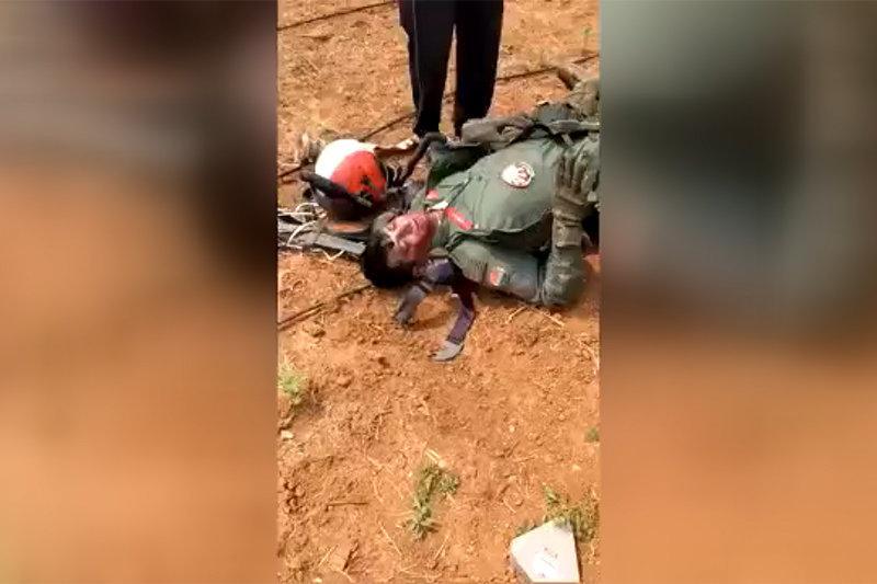 دستگیر شدن خلبان ارتش هند در کشمیر پاکستان + فیلم