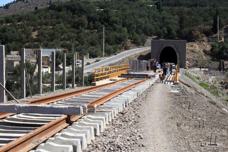 راه آهن قزوین رشت در ایام نوروز مسافر گیری میکند