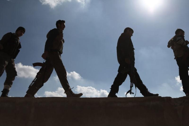 خروج بیش از ۲۰۰۰ نفر از آخرین  سنگر داعش در سوریه