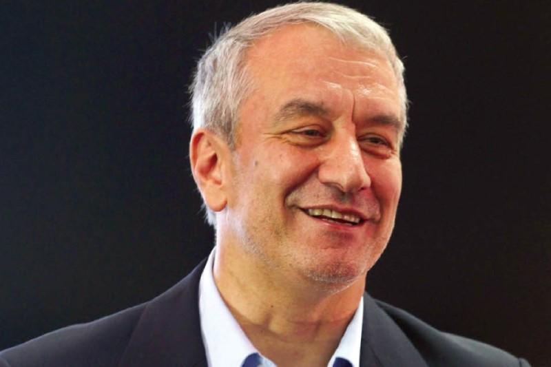 علی کفاشیان استعفا داد