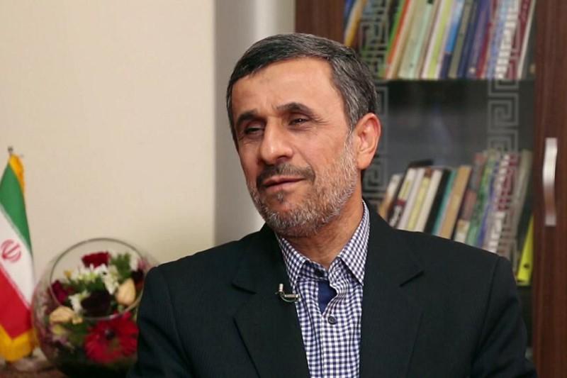 احمدینژاد: دولت را دست من بدهند، طی شش ماه قیمت نفت به بالای صد دلار میرسد