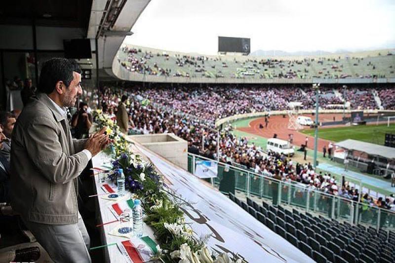 محافضان رئیس جمهور سابق با یگان ویژه مستقر در ورزشگاه آزادی درگیر شدند