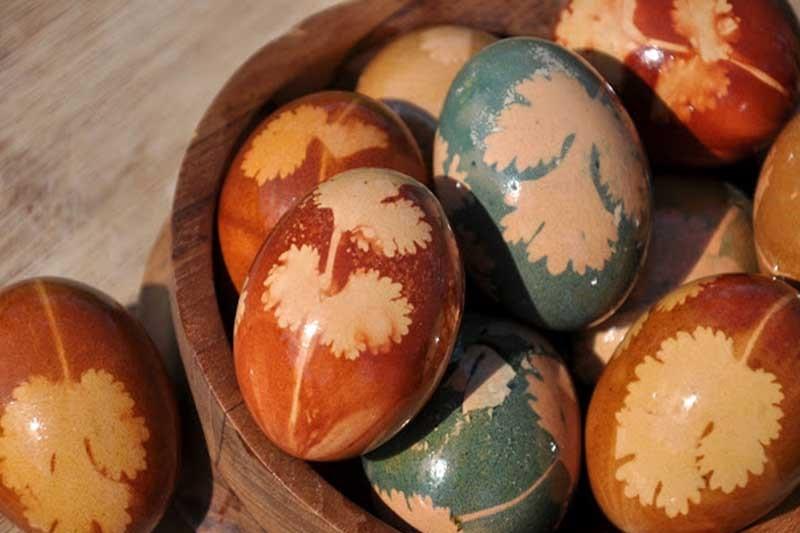 ایدههای تزئین تخم مرغ با برگهای طبیعی
