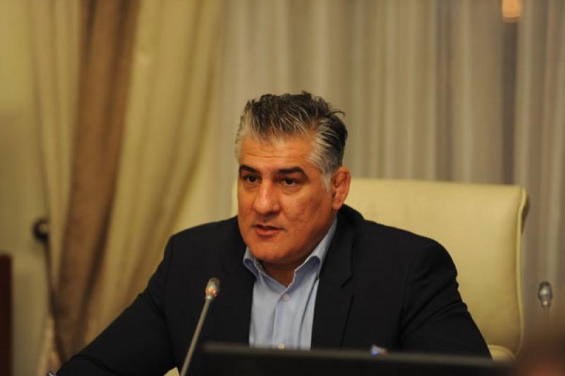 عنواندار کشتی جهان و المپیک برای انتخابات ریاست فدراسیون کشتی ثبت نام کرد