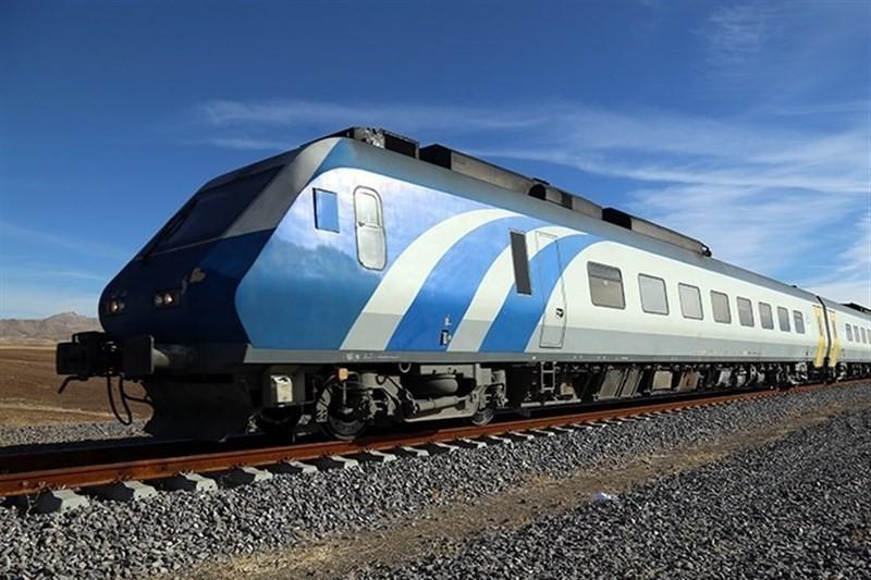 آغاز حرکت قطار تندروی تهران – همدان  با ۵ واگن و ظرفیت کل ۳۰۶