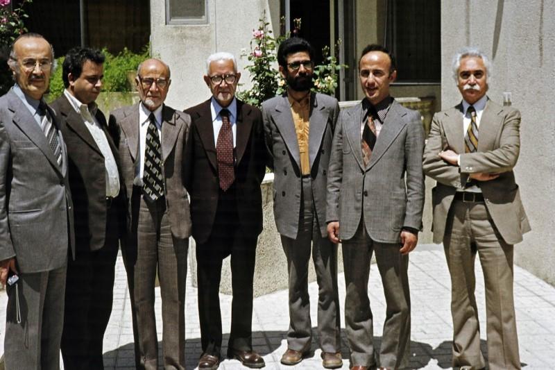 سیاستدوگانه نهضت آزادی؛ تخریب حزب جمهوری اسلامی و حمایت از بنیصدر
