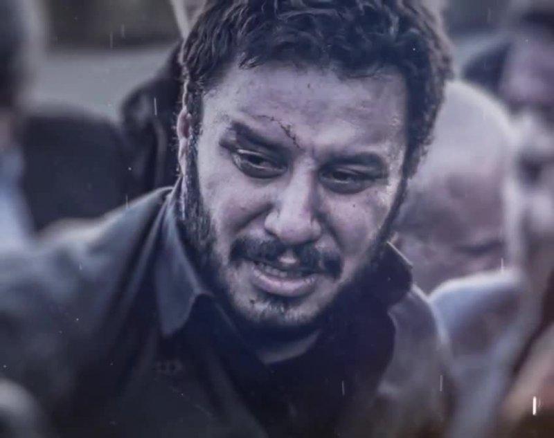 جواد عزتی در روز پدر به سوگ پدرش نشست