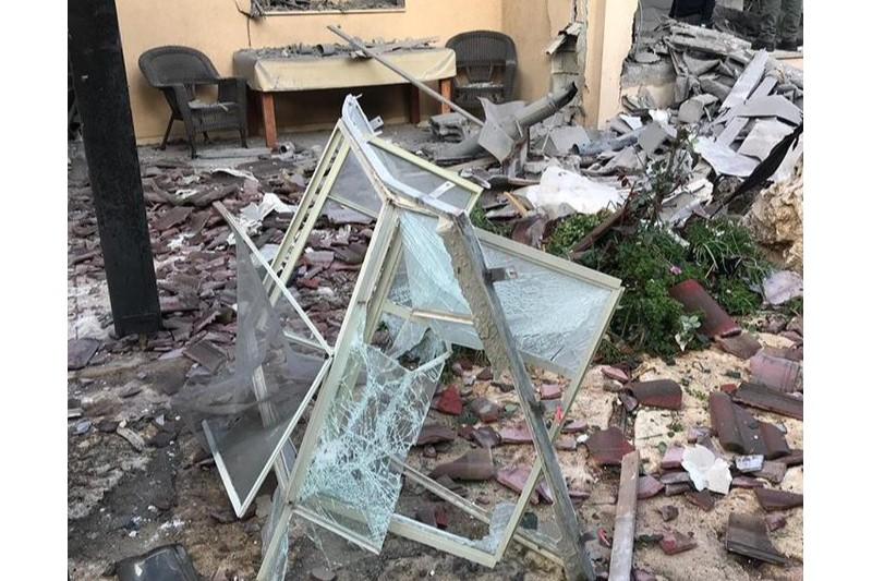 اصابت یک موشک به منطقهای در شمال تلآویو+تصاویر