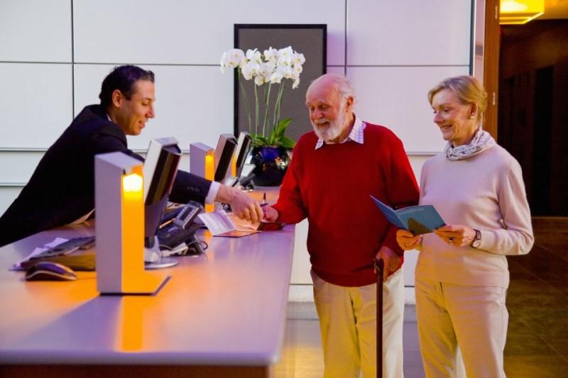 نکات مهم برای سلامت سالمندان در سفر