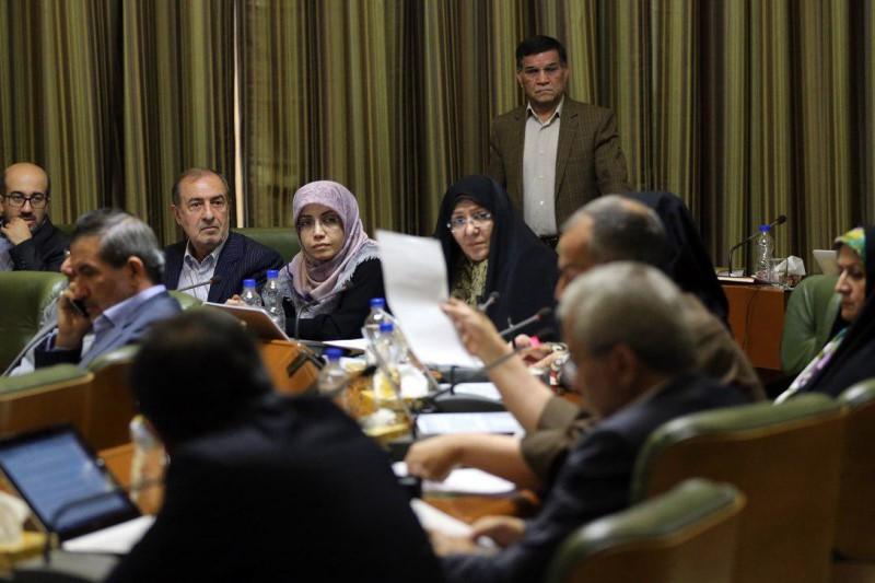 وقتی  اعضای شورای شهری تهران خرج میلیاردی روی دست شهروندان تهرانیها گذاشتند
