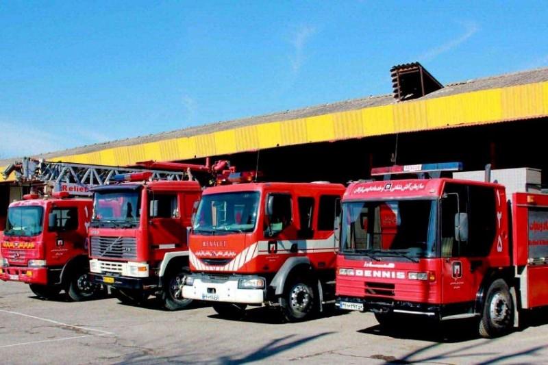 امداد رسانی آتش نشانی در سیل