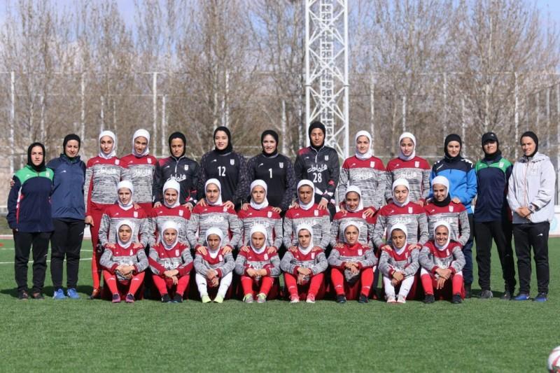 تمرین تیم فوتبال بانوان در دوحه