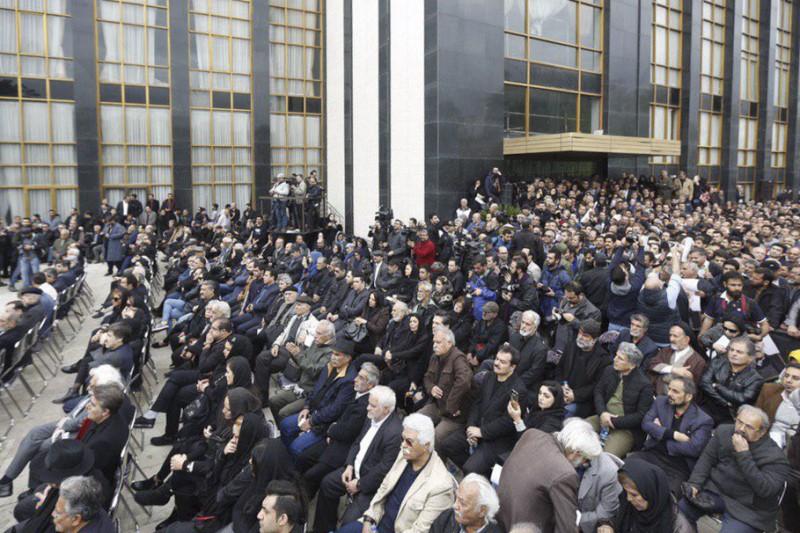 مراسم آخرین وداع با استاد جمشید مشایخی برگزار شد+تصاویر