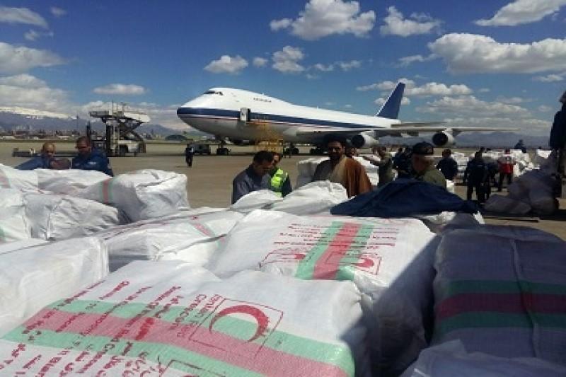 محموله ۶۰ تنی اقلام ضروری هلال احمر به خوزستان ارسال شد