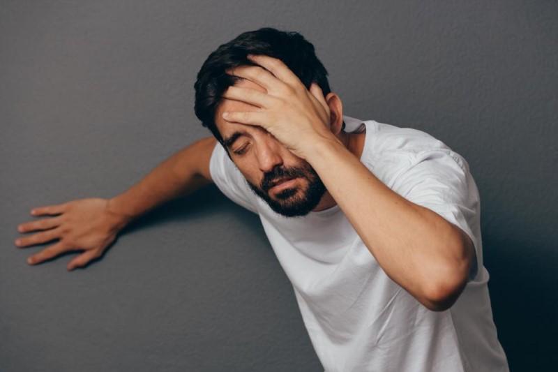 دلایل سرگیجه هنگام بلند شدن