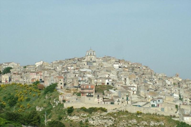 خانههای متروکه به قیمت 1یورو+تصاویر