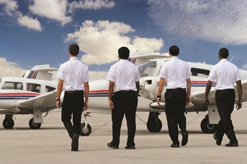 2 هزار خلبان بیکار و استمرار مضاعف آموزش خلبانان با هزینه بالا