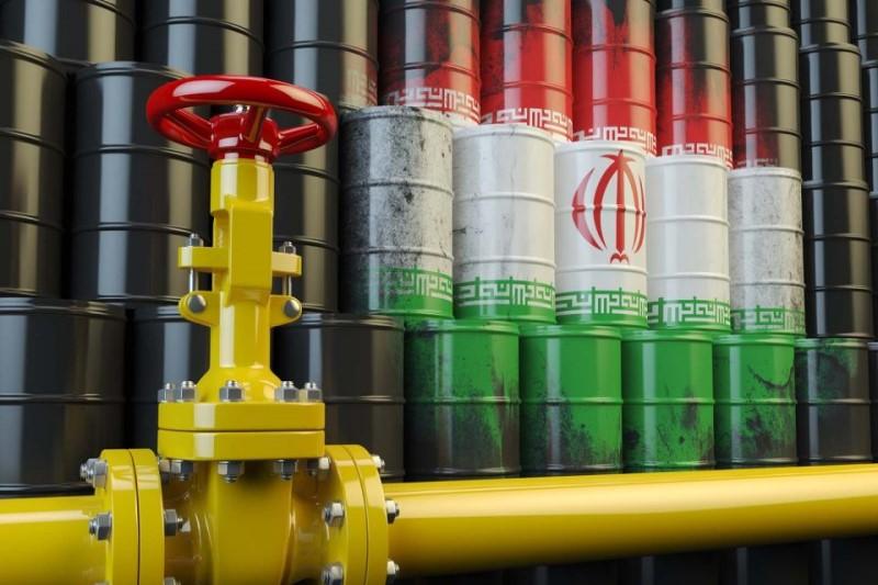 بررسی واکنش مشتریان به لغو معافیتهای فروش نفت ایران