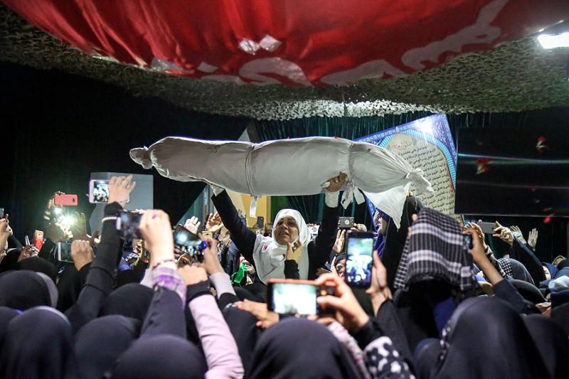 آرزوی برگزاری جشن دامادی شهید مدافع حرم برای پدر و مادرش برآورده شد+فیلم