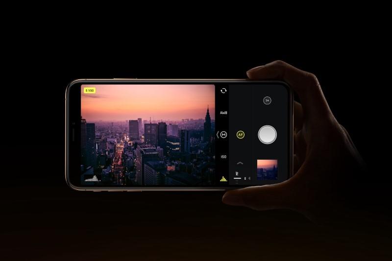 سلفی گرفتن از راه دور با دانلود Self Camera HD +تصاویر