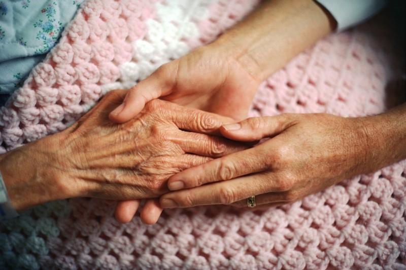 افزایش جمعیت سالمندی دلیل افزایش تعداد موارد سرطان