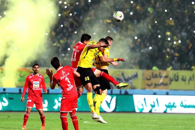 ناظر دیدار تیمهای فوتبال پرسپولیس- سپاهان: حق هیچگونه اظهار نظری در رسانهها را ندارم