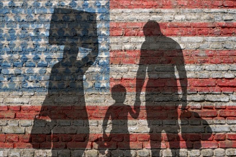 دستور ترامپ  برای سختتر شدن قوانین مهاجرت به آمریکا