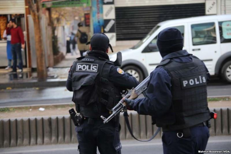 بازداشت دهها تن از کارکنان ژاندارمری ترکیه