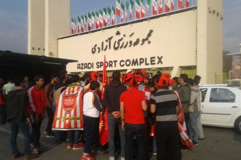 طرح فروش بلیت اینترنتی در فوتبال ایران در حد شعار باقیماند!