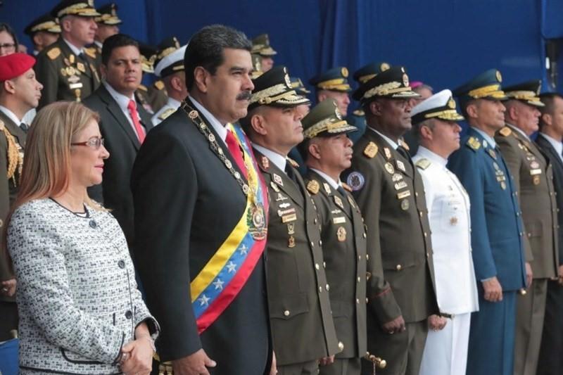 تمجید مادورو از ارتش ونزوئلا به دلیل وفاداری