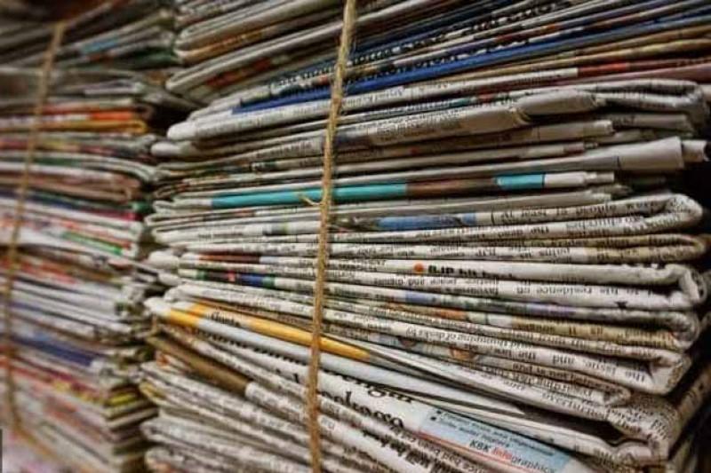 مردم: مگه هنوز روزنامه داریم؟ چقدر جون سختید شما!+تصاویر