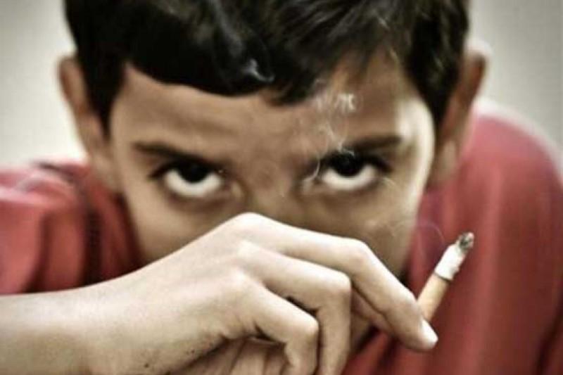 چگونه با فرزندی که سیگاری شده است برخود می کنید؟