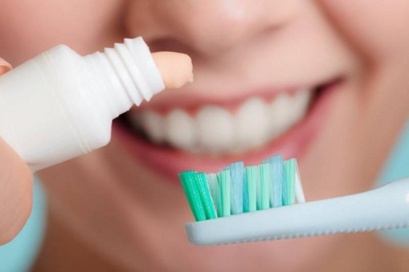 مدل فشار دادن خمیر دندان شخصیت شما را بر ملا میکند+تصاویر