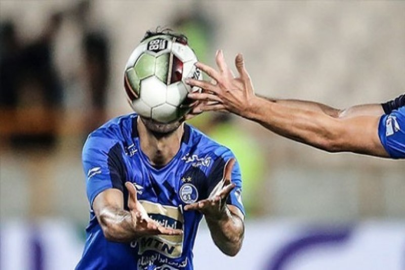 بازیکن خارجی  استقلال می تواند علیه آبی پوشان به فیفا شکایت کند