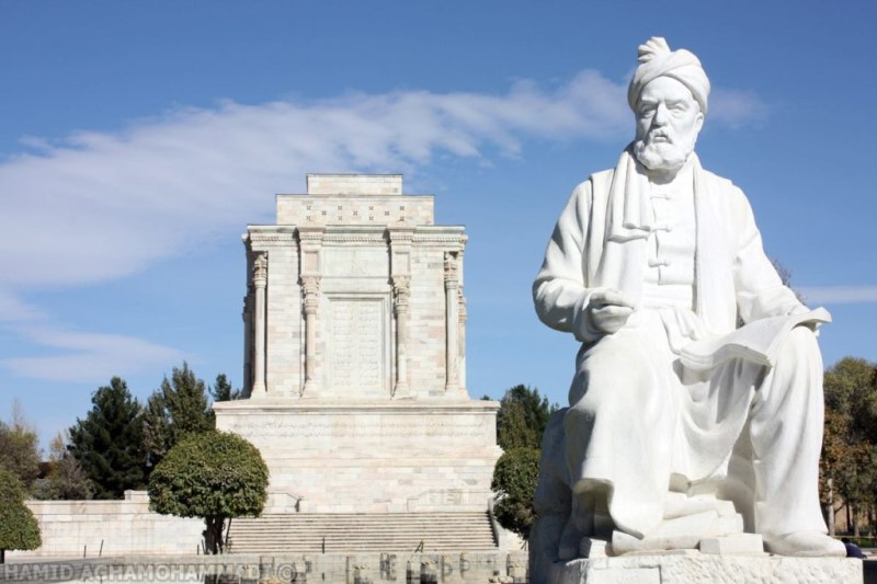 فردوسی تنها نماد پاسداری از ادبیات فارسی نیست!