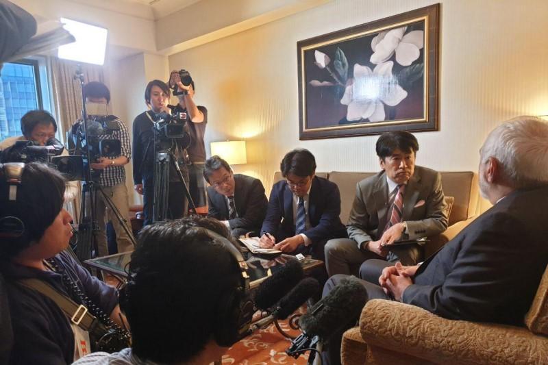 ظریف: تیم «B»، دست به خودکشی (سیاسی) خواهد زد