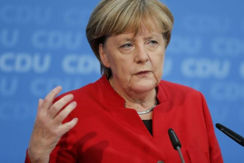 مرکل: اروپا در تعامل با مسئله ایران ضعیف عمل کرده