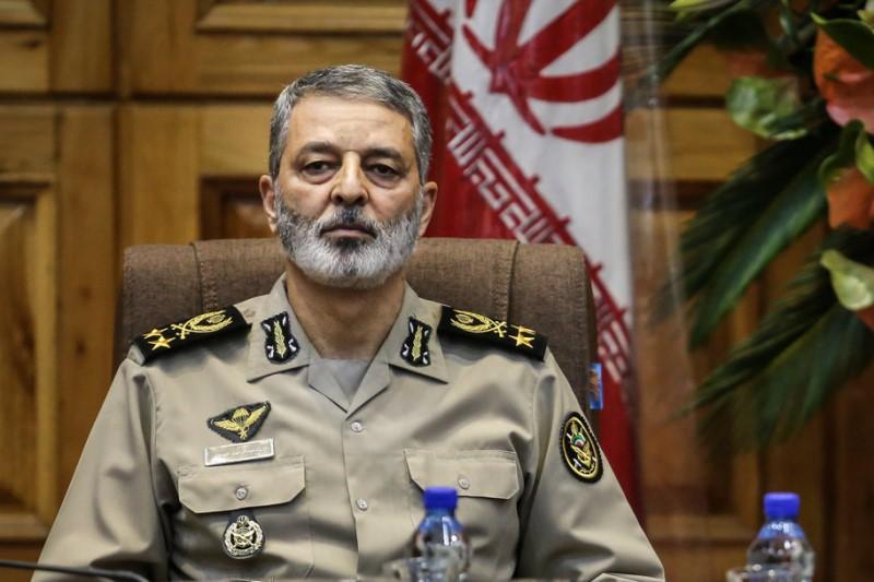 دیدار فرمانده کل ارتش با جمعی از پیشکسوتان جهاد و مقاومت
