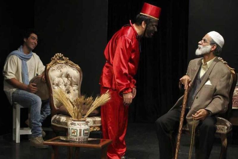 «مجلس خواستگاری مبارک» یک تئاتر روحوضی است