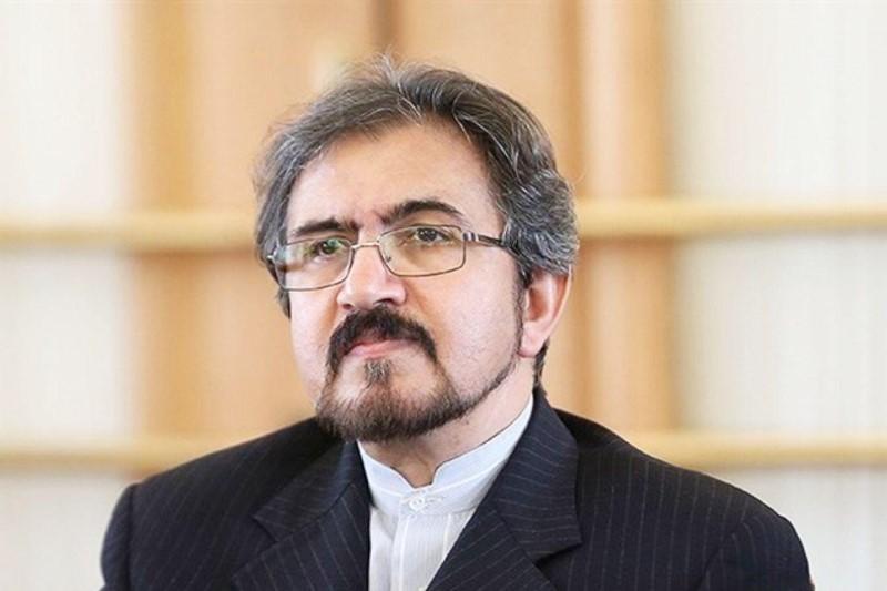 سفیر کشورمان در فرانسه  از بخش ایران نمایشگاه بین المللی «فاین کرافت» بازدید کرد