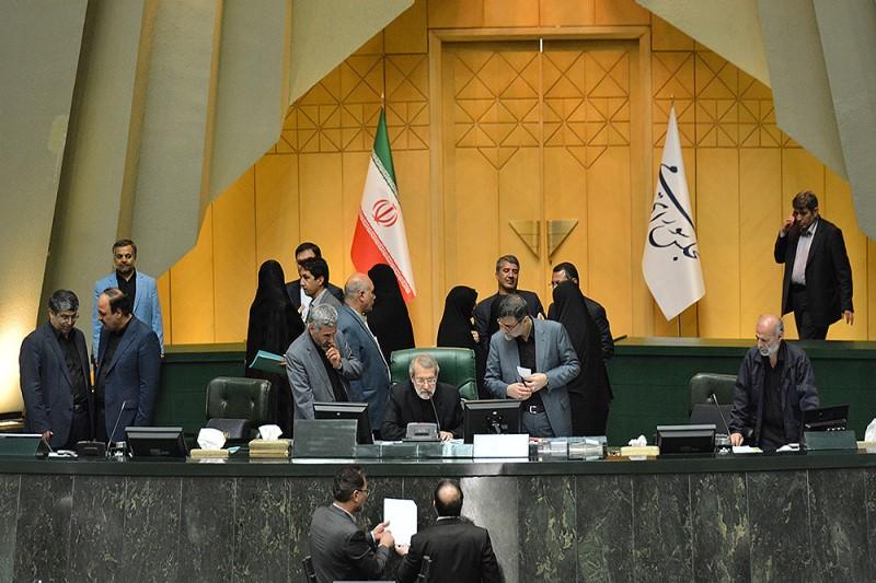 حاشیه های  انتخابات هیئت رئیسه مجلس+تصاویر