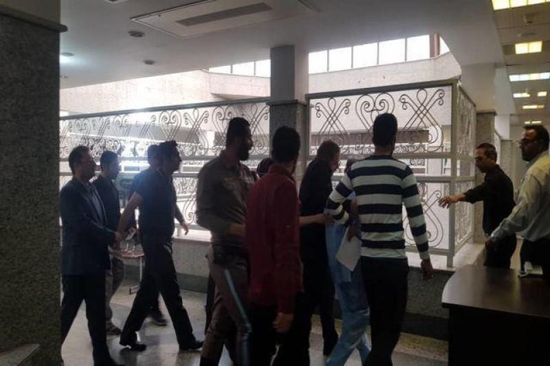 قاتل میترا استاد برای ادای توضیحات به دادسرای جرایم جنایی تهران منتقل شد + تصاویر