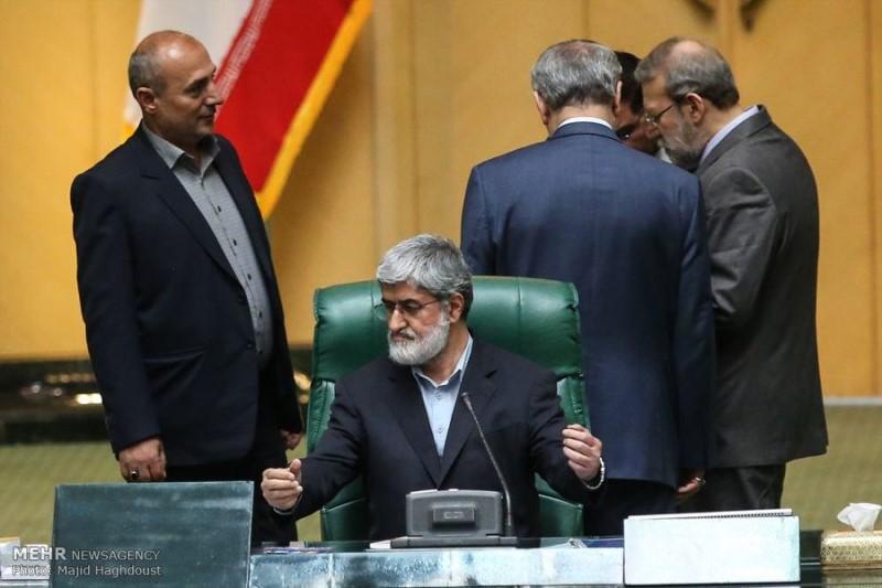 واکنش های متفاوت نمایندگان اصولگرا و اصلاح طلب به حذف مطهری از هیئت رئیسه