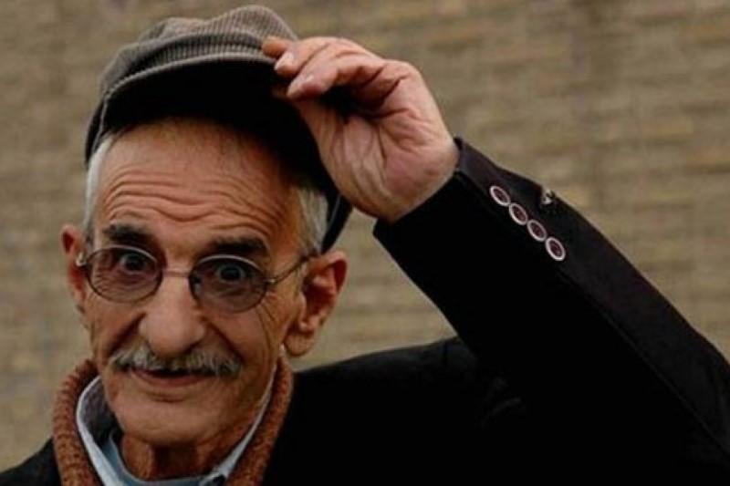 فرزند احمد پورمخبر: تصویر یادگاری پدرم با یک دستفروش مسئلهساز شد