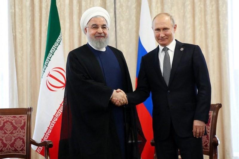 روحانی در دیدار با پوتین:  ایران همواره حامی ثبات و امنیت منطقه بوده است